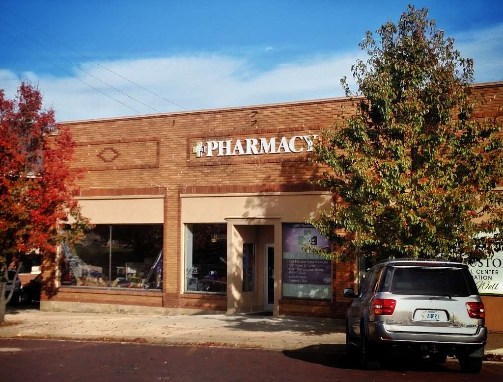 F.W. HUSTON PHARMACY - pharmacy  | Photo 3 of 5 | Address: 509 Delaware St, Oskaloosa, KS 66066, USA | Phone: (785) 863-3401
