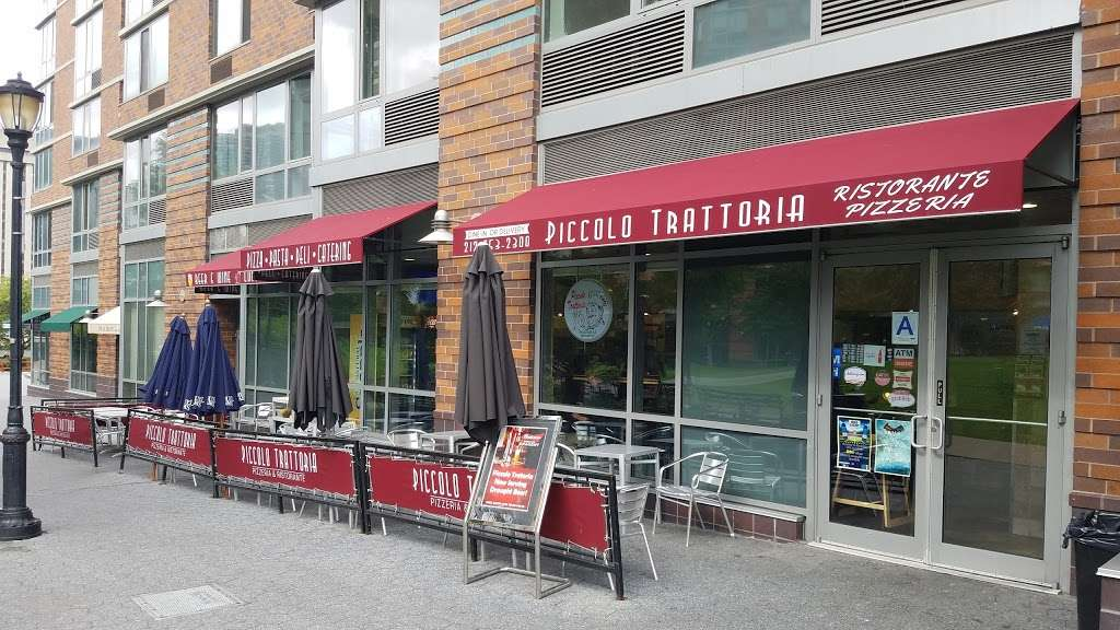 Piccolo Trattoria Italian Restaurant - restaurant  | Photo 3 of 10 | Address: 455 Main St, New York, NY 10044, USA | Phone: (212) 753-2300