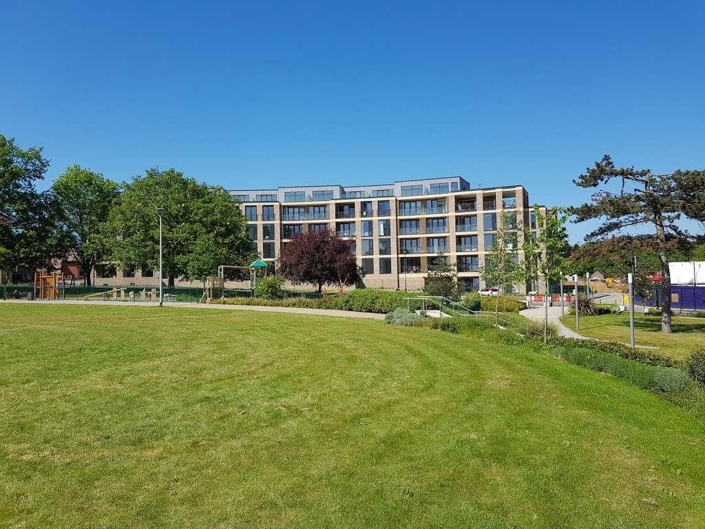 Panoramic Park - park  | Photo 3 of 10 | Address: Millbrook Park, London NW7 1RF, UK