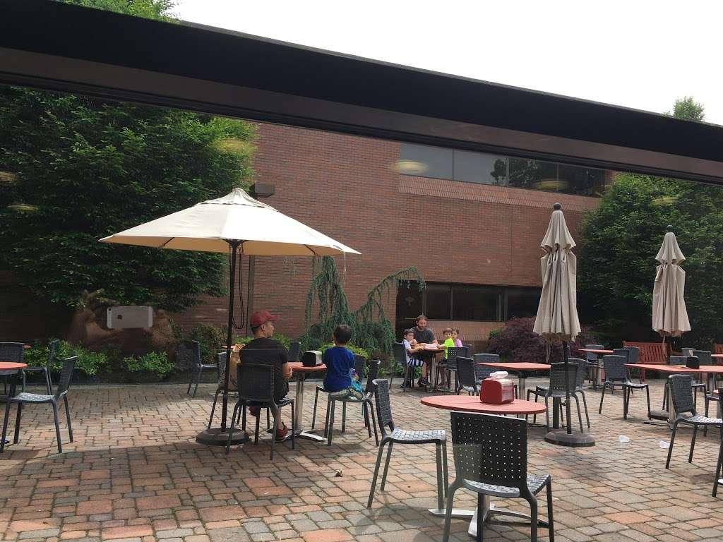 JCC Café - restaurant  | Photo 5 of 8 | Address: 411 E Clinton Ave, Tenafly, NJ 07670, USA
