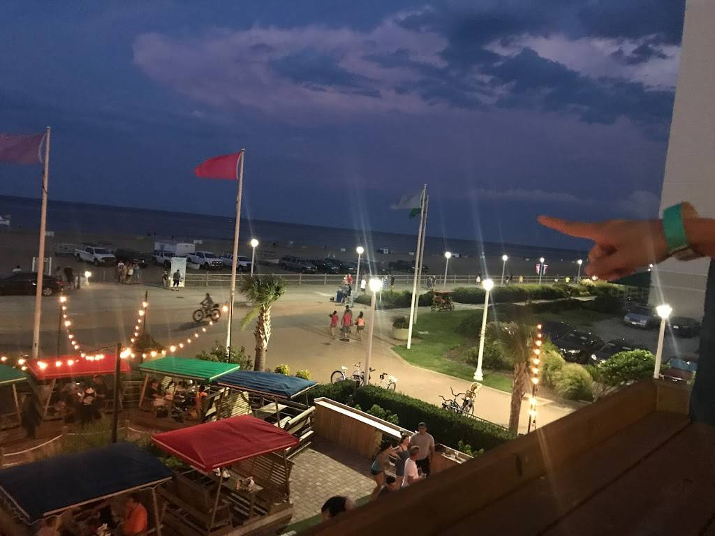 H Bar - restaurant  | Photo 8 of 8 | Address: 2705 Atlantic Ave, Virginia Beach, VA 23451, USA | Phone: (757) 428-4200 ext. 5105