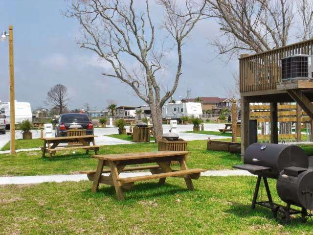 Paulas Vineyard RV Resort - rv park  | Photo 4 of 10 | Address: 1250 N Crystal Beach Rd, Port Bolivar, TX 77650, USA | Phone: (409) 684-9970