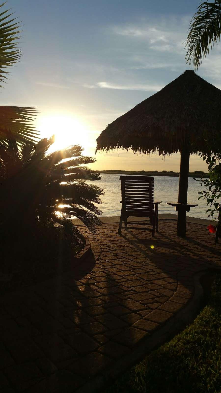 Crystal Beach Villa - lodging  | Photo 10 of 10 | Address: 1300 N Crystal Beach Rd, Crystal Beach, TX 77650, USA | Phone: (409) 682-8579