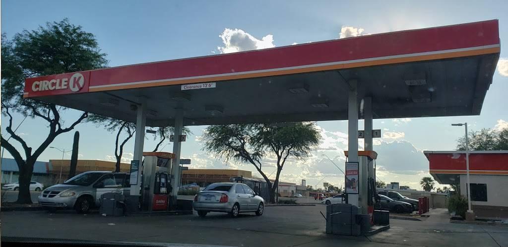 Circle K - convenience store    Photo 8 of 10   Address: 3031 E 22nd St, Tucson, AZ 85713, USA   Phone: (520) 318-3834
