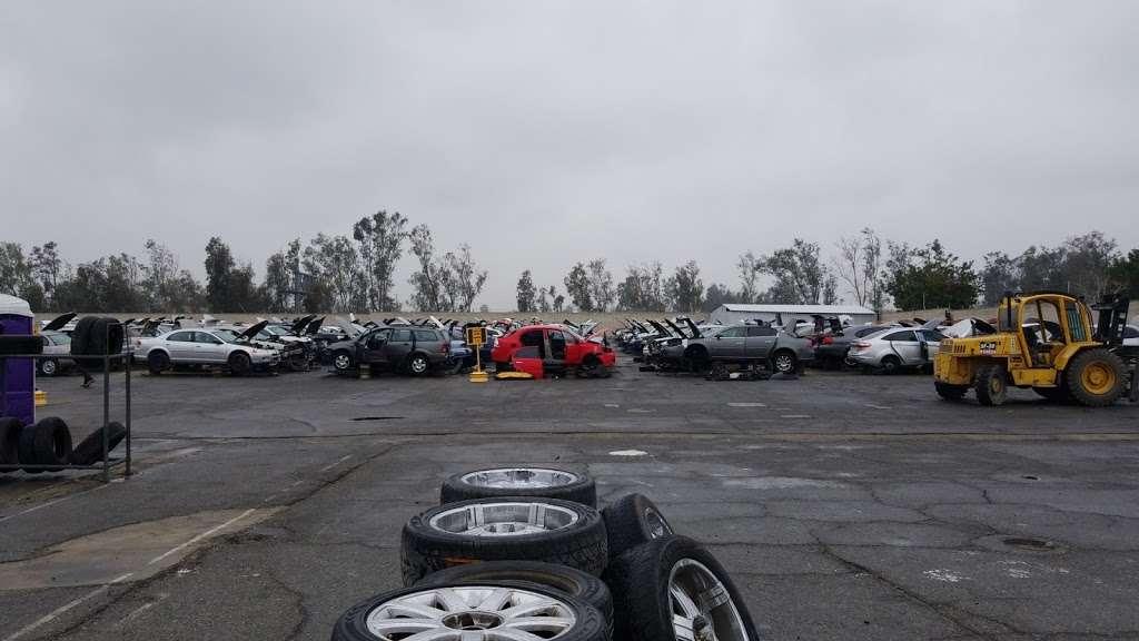 LKQ Pick Your Part - Fontana - car repair  | Photo 9 of 10 | Address: 15228 Boyle Ave, Fontana, CA 92337, USA | Phone: (800) 962-2277