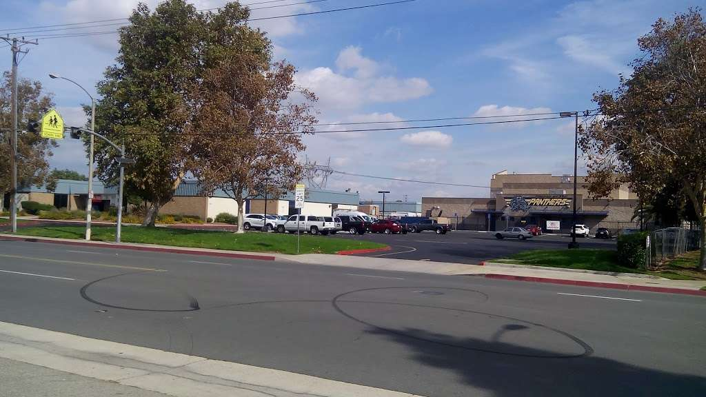 Grace Yokley Middle School - school  | Photo 2 of 4 | Address: 2947 S Turner Ave, Ontario, CA 91761, USA | Phone: (909) 947-6774