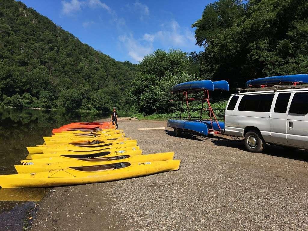 Chamberlain Canoes - travel agency  | Photo 3 of 10 | Address: 103 Five Star Ln, East Stroudsburg, PA 18301, USA | Phone: (570) 421-0180