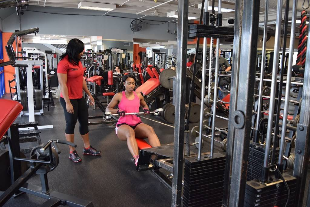 BBL Fitness - gym  | Photo 2 of 10 | Address: 20170 Pines Blvd, Pembroke Pines, FL 33029, USA | Phone: (754) 400-7340