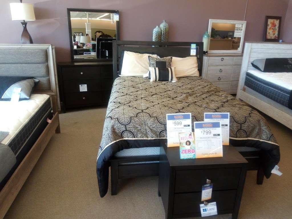 Farmers Home Furniture - furniture store  | Photo 6 of 7 | Address: 401 S Battleground Ave, Kings Mountain, NC 28086, USA | Phone: (704) 734-4770