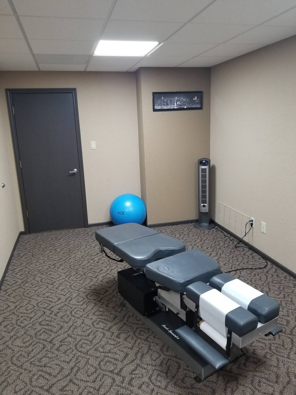Midtown Muscle and Joint LLC - health  | Photo 3 of 5 | Address: 1711 Westport Rd #101, Kansas City, MO 64111, USA | Phone: (816) 381-0667