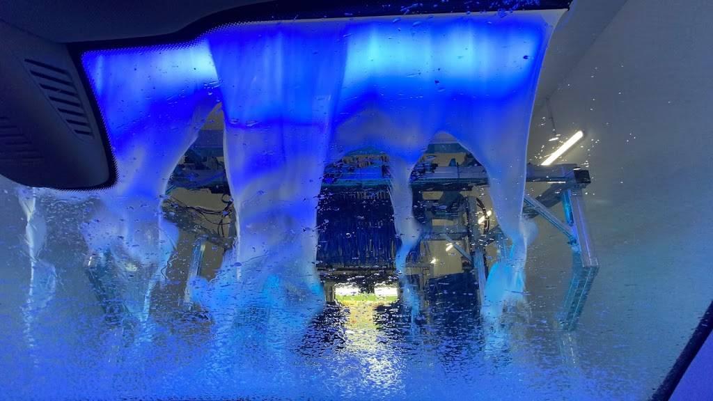 Floris Car Wash - car wash  | Photo 10 of 10 | Address: 3893 McCoy Rd, Orlando, FL 32812, USA | Phone: (407) 745-4343