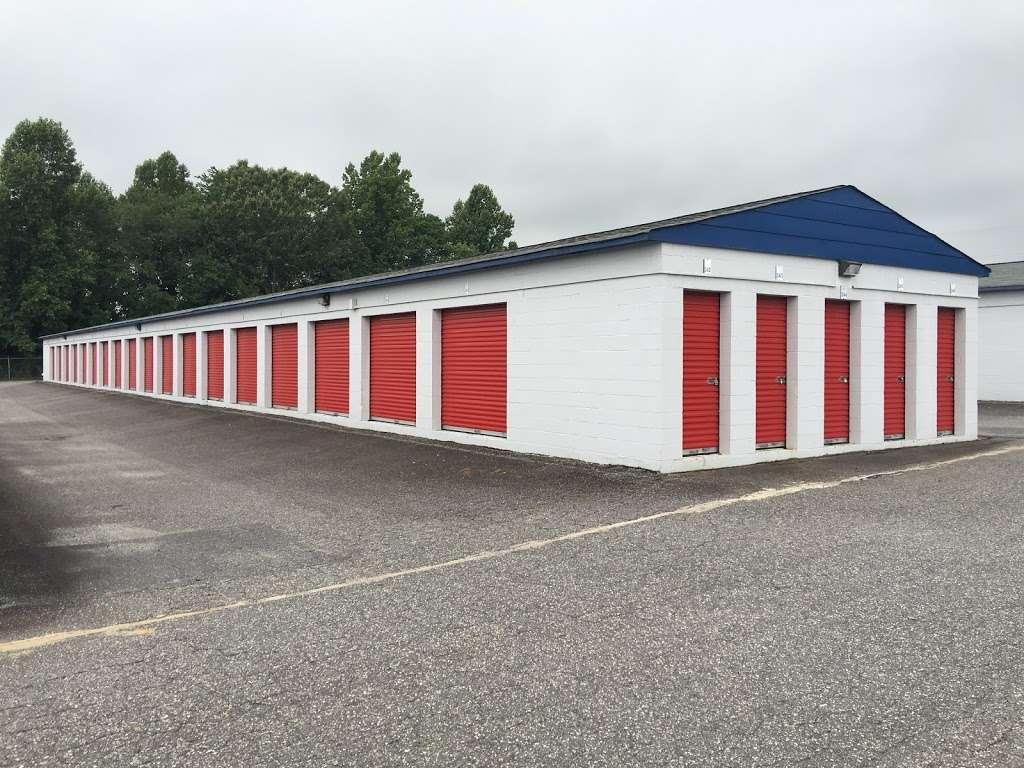 First USA Storage - storage  | Photo 4 of 5 | Address: 3005 Nathan St, Newton, NC 28658, USA | Phone: (828) 634-7649