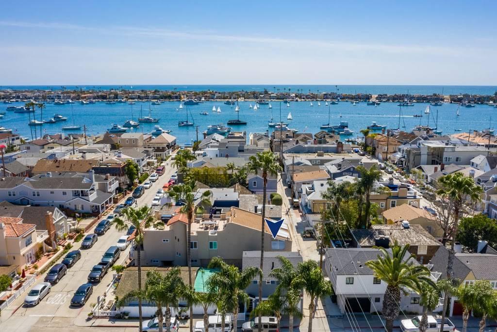 Luxury Real Estate - real estate agency  | Photo 2 of 10 | Address: 208 Marine Ave, Newport Beach, CA 92662, USA | Phone: (949) 607-8122