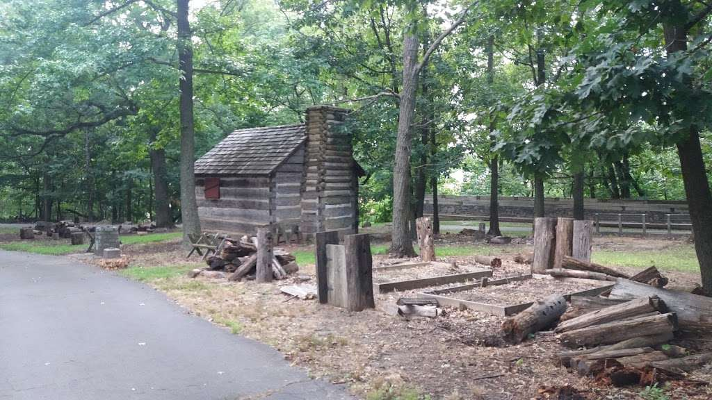 Ft Lee Soldiers Cabin - museum  | Photo 9 of 10 | Address: Fort Lee, NJ 07024, USA