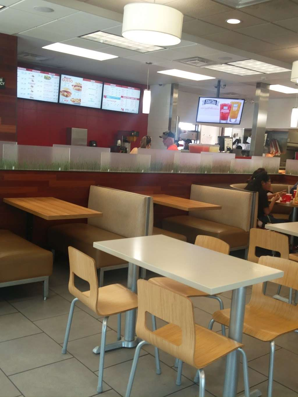 Wendys - restaurant  | Photo 9 of 10 | Address: 3232 Lavon Dr, Garland, TX 75040, USA | Phone: (972) 805-4463