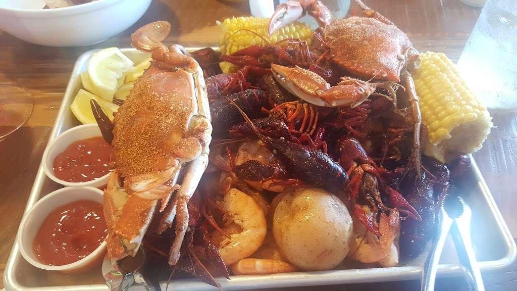Ragin Cajun Cafe - restaurant  | Photo 9 of 10 | Address: 525 S Pacific Coast Hwy, Redondo Beach, CA 90277, USA | Phone: (310) 540-7403