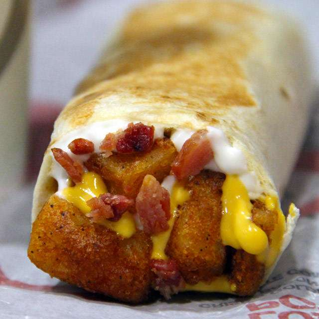 Taco Bell - meal takeaway  | Photo 7 of 10 | Address: 701 NJ-440, Jersey City, NJ 07306, USA | Phone: (201) 332-9393