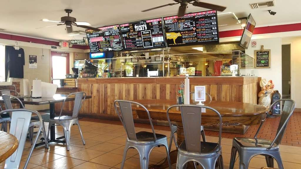 Tuckys BBQ - restaurant  | Photo 5 of 10 | Address: 308 N Boulder Hwy, Henderson, NV 89015, USA | Phone: (702) 566-4227