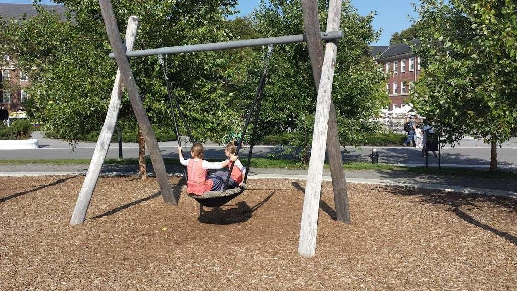 Hammock Grove Play Area - park  | Photo 3 of 10 | Address: New York, NY 10004, USA