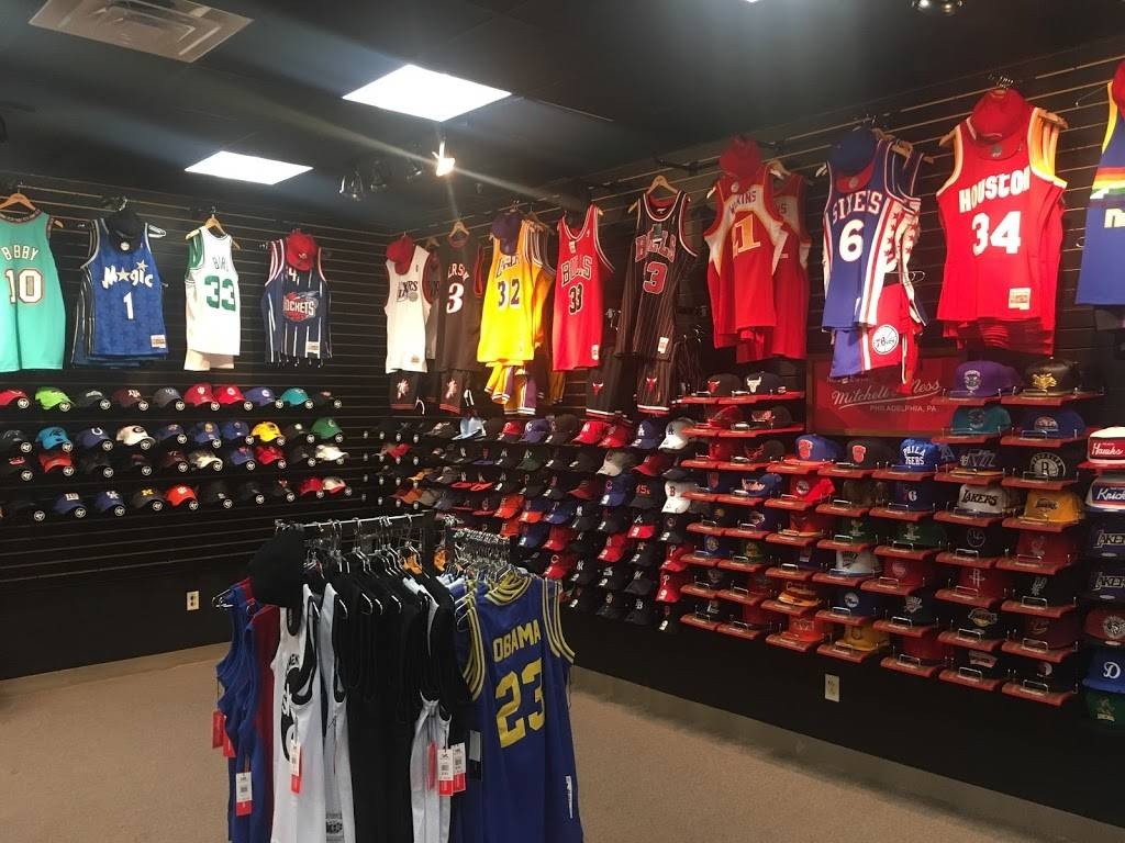 All-Star Sports - clothing store  | Photo 6 of 10 | Address: 300 Monticello Ave #194, Norfolk, VA 23510, USA | Phone: (833) 746-7277