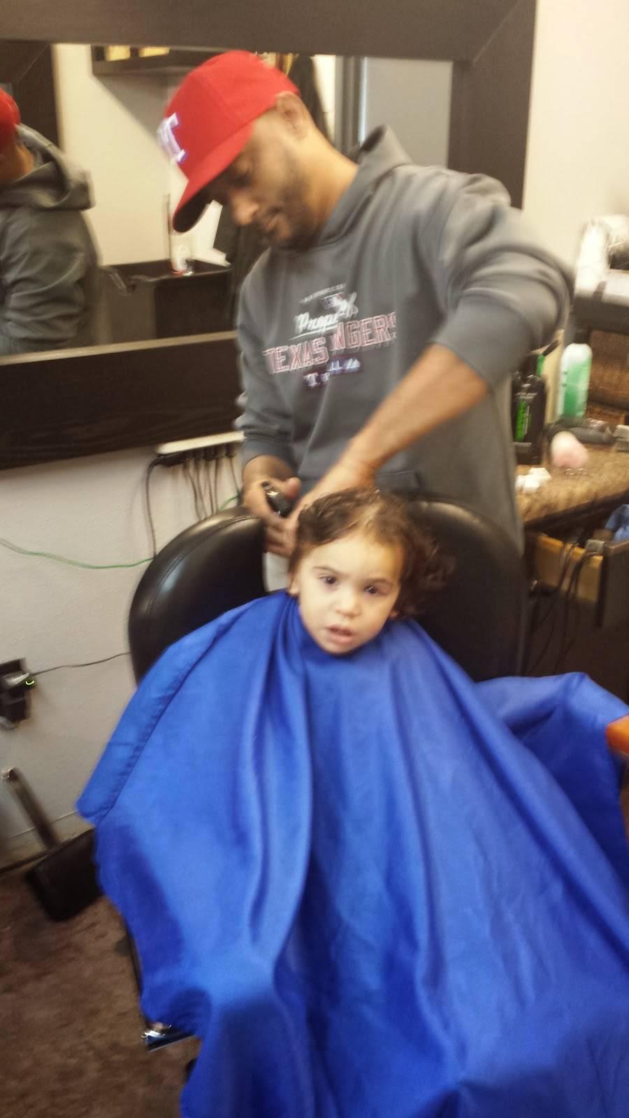 Xclusivo Cutz - hair care  | Photo 6 of 6 | Address: 2020 Mansfield Webb Rd, Arlington, TX 76002, USA | Phone: (817) 557-6448