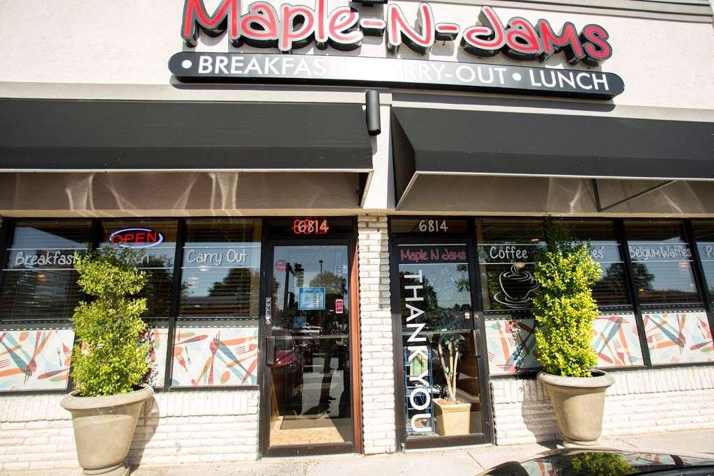 Maple N Jams Cafe - cafe  | Photo 3 of 9 | Address: 6814 W 87th St, Burbank, IL 60459, USA | Phone: (708) 237-1600
