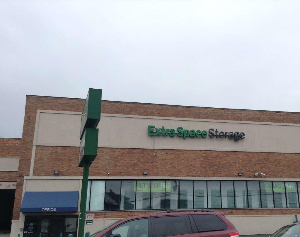 Extra Space Storage - moving company  | Photo 9 of 10 | Address: 7020 John Fitzgerald Kennedy Blvd, North Bergen, NJ 07047, USA | Phone: (201) 295-1016