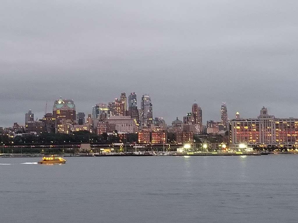 Ferry Manhattan - museum  | Photo 1 of 6 | Address: Upper Bay, New York, NY 10004, USA