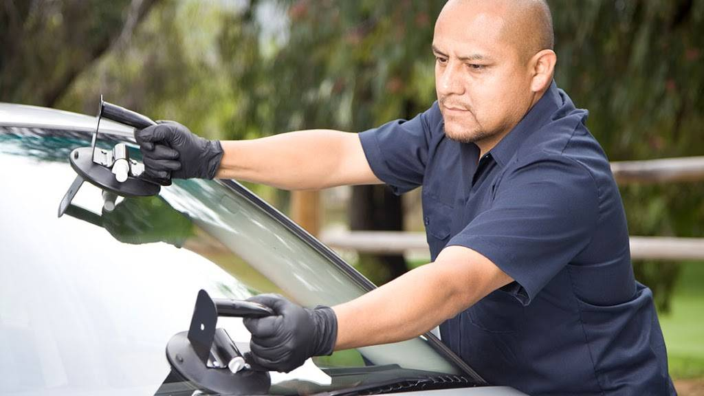 Glass America - car repair  | Photo 1 of 6 | Address: 9816 Us Highway 301 N, Tampa, FL 33637, USA | Phone: (813) 534-0935