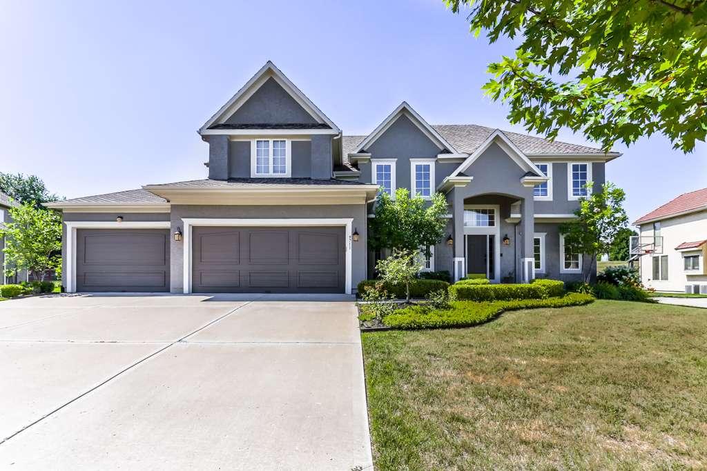Overland Park Kansas Vacation Property - real estate agency    Photo 1 of 10   Address: 9711 W 145th Terrace, Overland Park, KS 66221, USA   Phone: (214) 713-3353