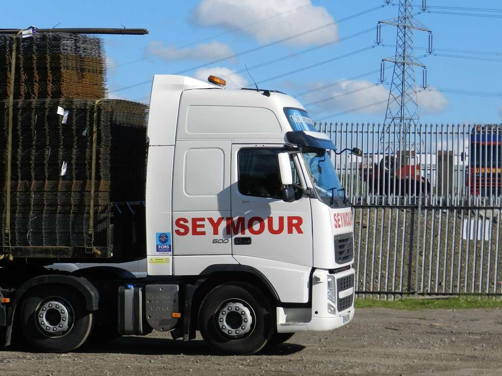 Seymour Transport Ltd - moving company  | Photo 10 of 10 | Address: Westmead, Aylesford, ME20, Larkfield ME20 6XJ, UK | Phone: 01622 790990