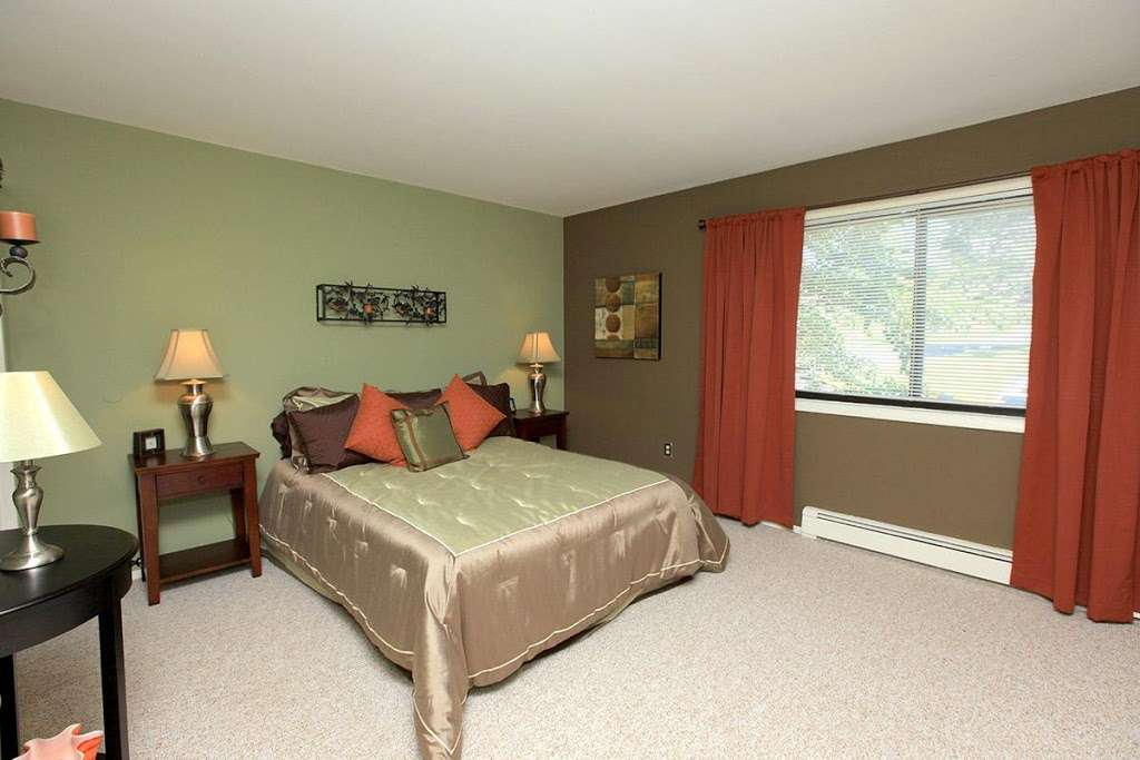 Chelsea Ridge Apartments - real estate agency  | Photo 1 of 10 | Address: 1 Chelsea Ridge Dr, Wappingers Falls, NY 12590, USA | Phone: (845) 440-1366