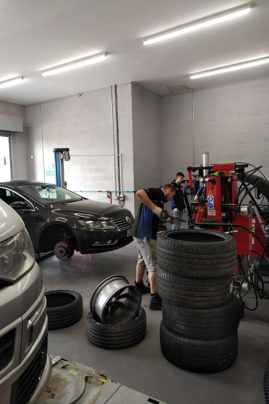 DGT Wheels & Tyres - car repair    Photo 1 of 10   Address: Wash Rd, Basildon SS15 4BT, UK   Phone: 01268 416201