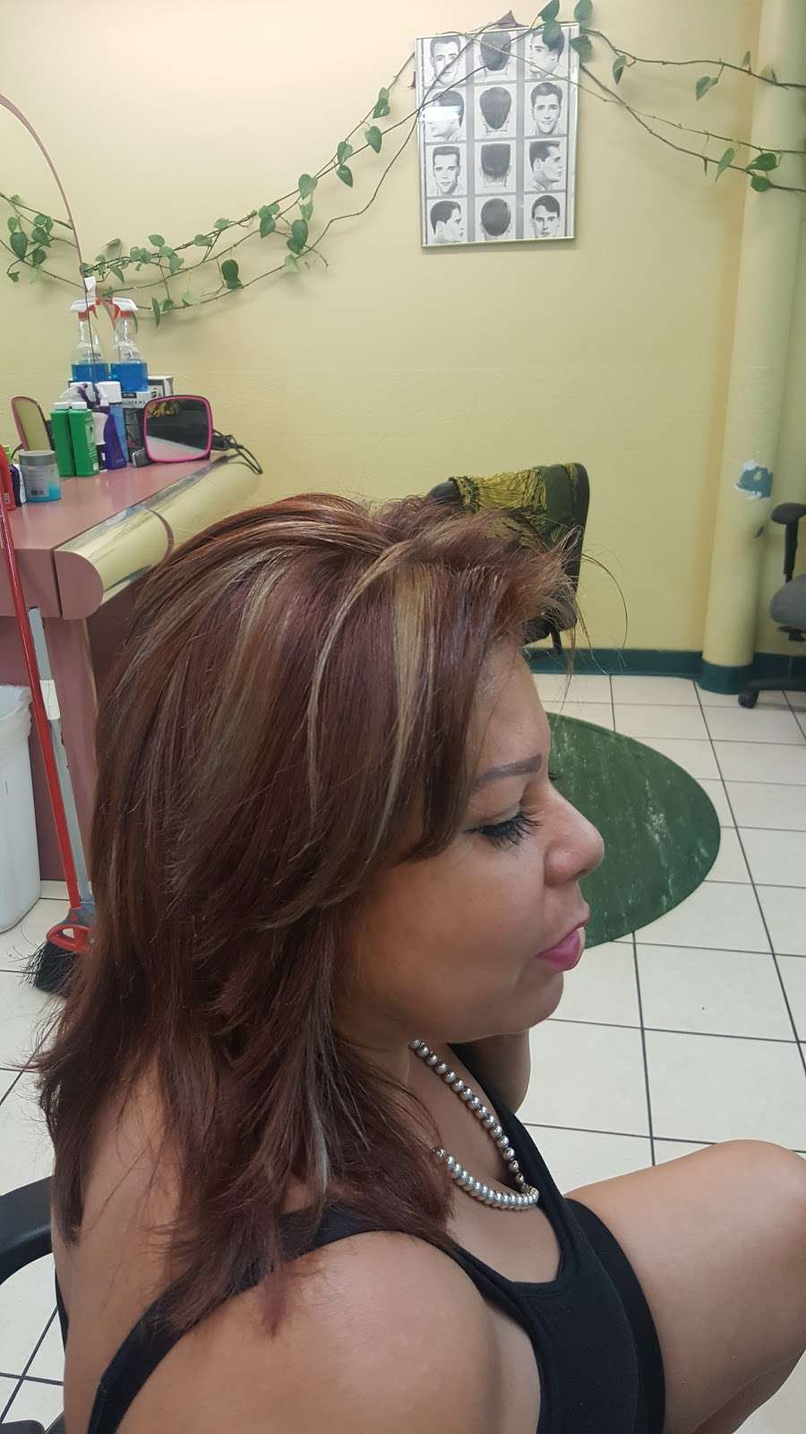 Yessenia Beauty Salon - hair care  | Photo 3 of 5 | Address: 1150 W Kiest Blvd # 400B, Dallas, TX 75224, USA | Phone: (214) 372-3669