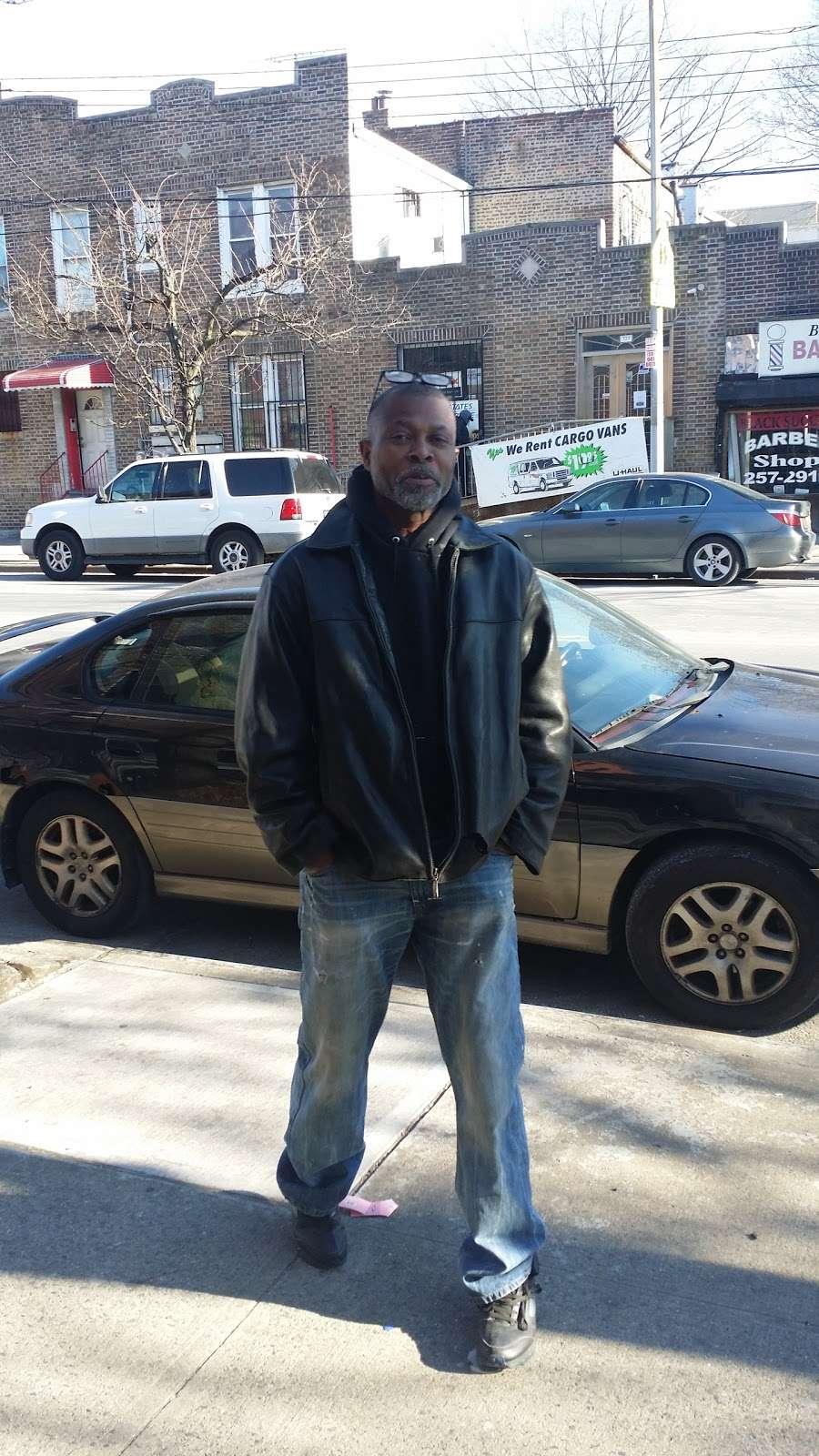 Murrays Barber Shop - hair care  | Photo 1 of 2 | Address: 538 Hegeman Ave # B, Brooklyn, NY 11207, USA | Phone: (718) 272-5081