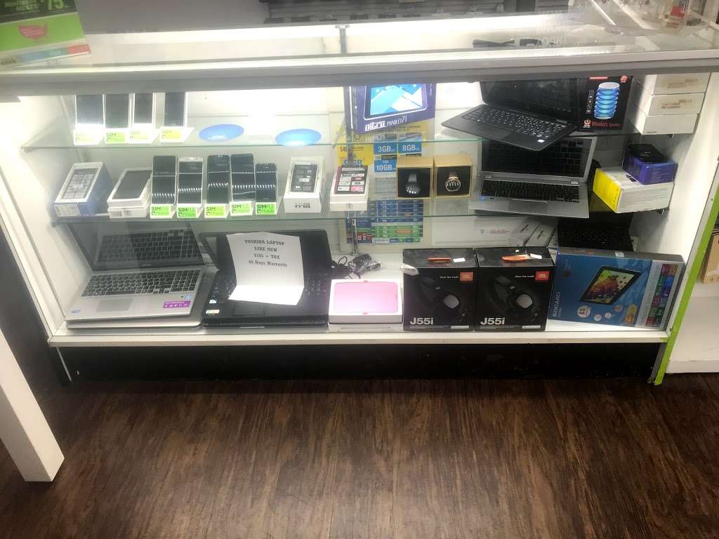 PHONES 4 U 02 - store  | Photo 10 of 10 | Address: 14110 S Post Oak Rd Suite A, Houston, TX 77045, USA | Phone: (346) 867-6994