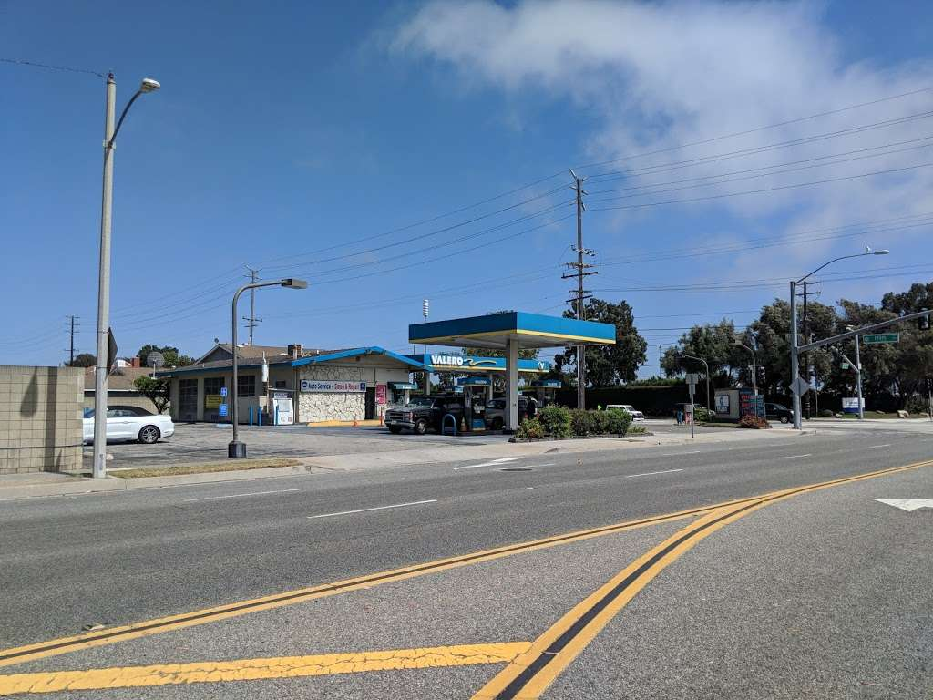 Torrance Valero and Auto Repair - gas station  | Photo 5 of 10 | Address: 3975 W 190th St, Torrance, CA 90504, USA | Phone: (310) 371-4806