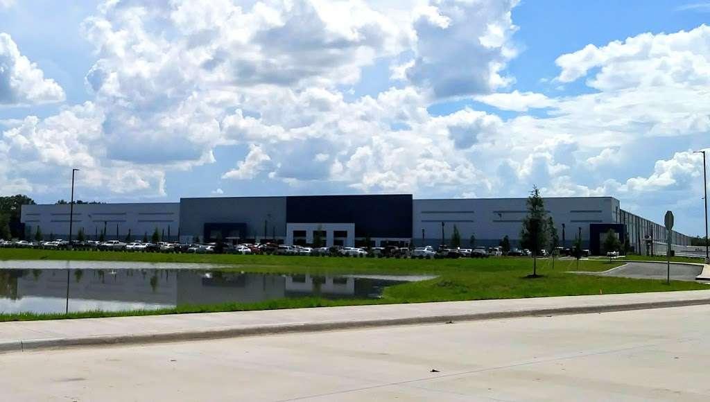 Best Buy Warehouse, Polk City - storage  | Photo 5 of 10 | Address: 8906 State Rd 33 N, Polk City, FL 33868, USA