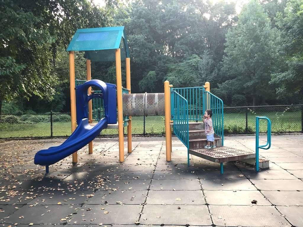 Kissena Corridor Park - park    Photo 2 of 10   Address: 47-67 Colden St, Flushing, NY 11355, USA   Phone: (212) 639-9675