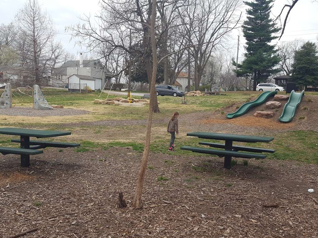 Arthurs Hill Park - park    Photo 2 of 3   Address: 231 S Jewell St, Liberty, MO 64068, USA