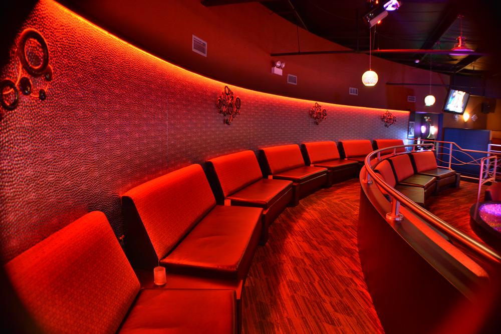 Club 390 - night club  | Photo 7 of 10 | Address: 390 E Joe Orr Rd, Chicago Heights, IL 60411, USA | Phone: (708) 758-2582