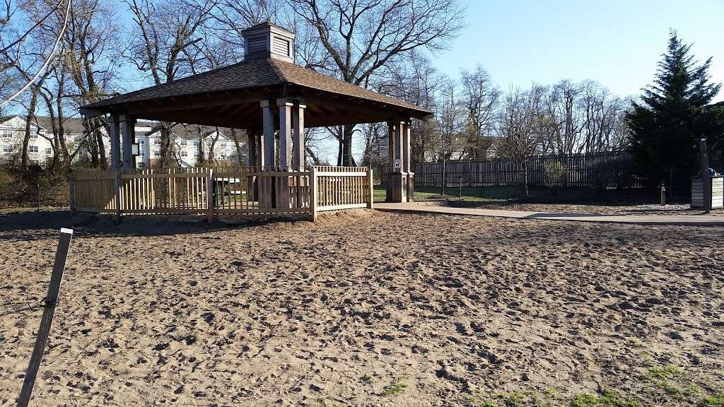 Pennington Park - park  | Photo 4 of 10 | Address: 801 Creek Rd, Delanco, NJ 08075, USA | Phone: (609) 265-5858