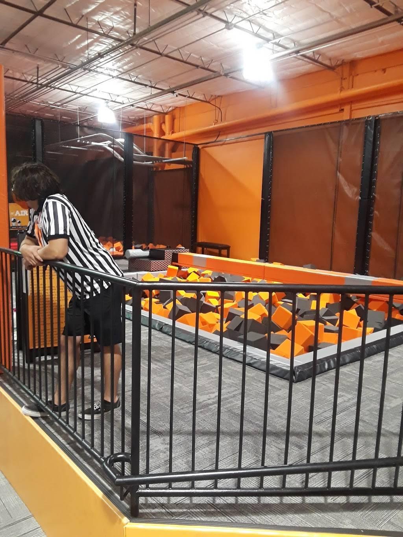 Big Air Trampoline Park - amusement park  | Photo 7 of 8 | Address: 2840 S Alma School Rd, Chandler, AZ 85286, USA | Phone: (480) 912-5454