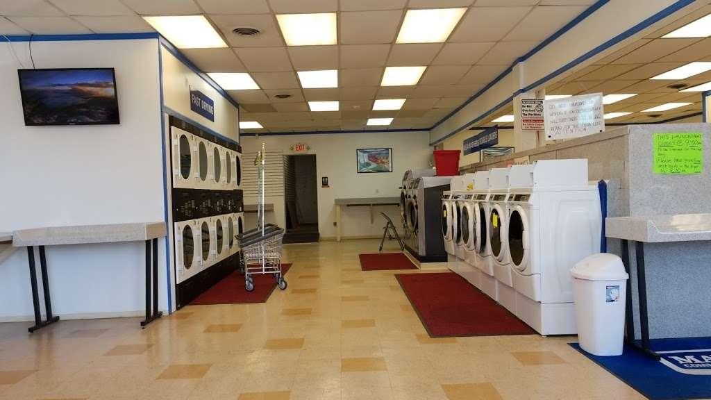 Posh Car Wash & Express Lube - car wash  | Photo 2 of 10 | Address: 400 S White Horse Pike, Stratford, NJ 08084, USA | Phone: (856) 784-2323
