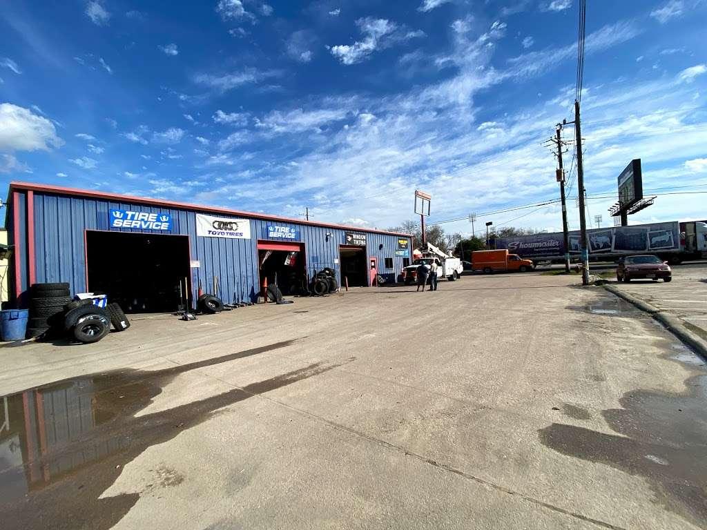 BRONCOS TIRE SHOP & WINDOW TINT - car repair  | Photo 8 of 10 | Address: 508 US-90, Dayton, TX 77535, USA