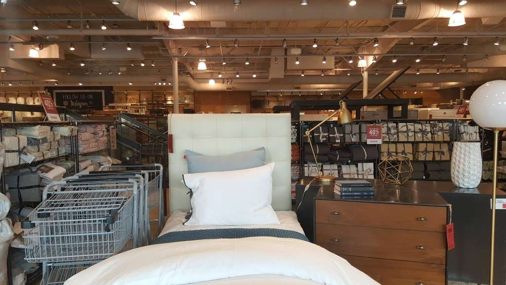 west elm Outlet - furniture store  | Photo 9 of 10 | Address: Lancaster Outlet, 35 S Willowdale Dr #1709, Lancaster, PA 17602, USA | Phone: (717) 299-7060