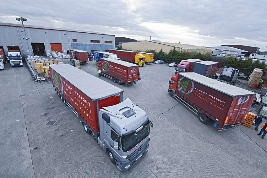 Forest Freight Ltd. - moving company    Photo 2 of 10   Address: Barlow Way South, Fairview Industrial Park, Rainham RM13 8UJ, UK   Phone: 01708 552222