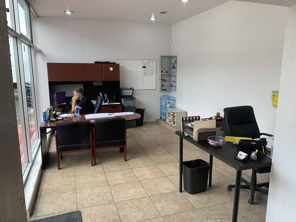 No Problem Auto Sales - car dealer    Photo 3 of 4   Address: 3750 Beach Blvd, Jacksonville, FL 32207, USA   Phone: (904) 559-6661