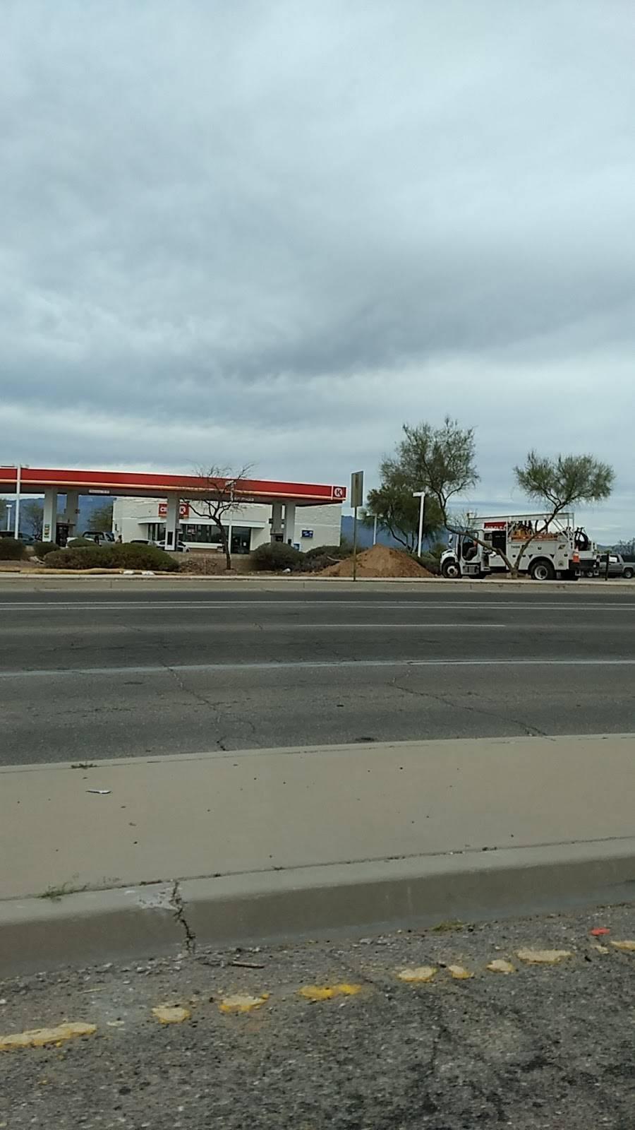 Circle K - gas station  | Photo 2 of 2 | Address: 6175 S Kolb Rd, Tucson, AZ 85756, USA | Phone: (520) 663-1686