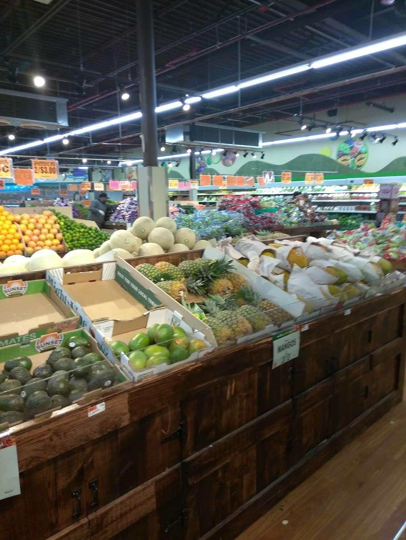 Family Dollar - supermarket  | Photo 9 of 10 | Address: 375 Tompkins Ave, Staten Island, NY 10305, USA | Phone: (718) 442-1030
